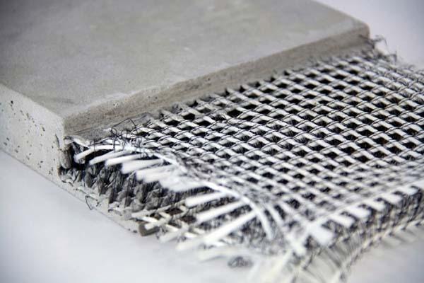 Структурата на композита се състои от матрица и армировка.
