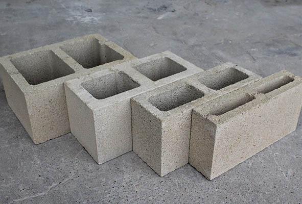 От бетона се изработват изделия с различни функции.