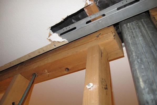 Укрепване на конструкцията след събаряне се налага често при премахване на носещи стени.