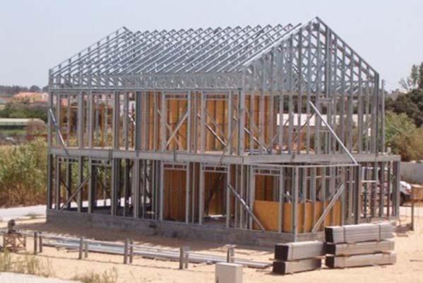 Стоманените конструкции са част от модерното сухо строителство.